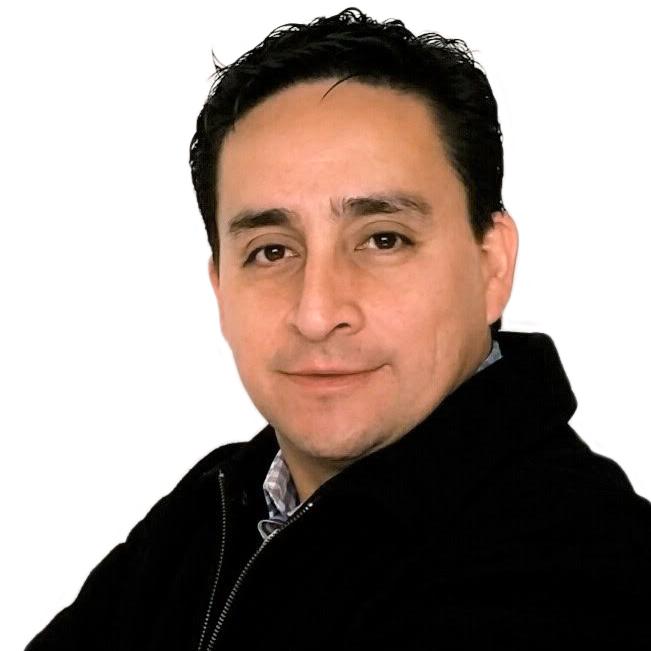 <b>Ricardo Hernández</b>